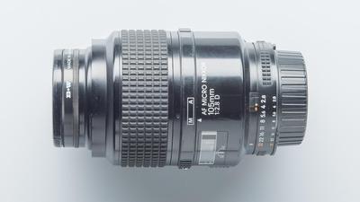 Nikon AF Micro-Nikkor 105mm 1:2,8D  Objektiv