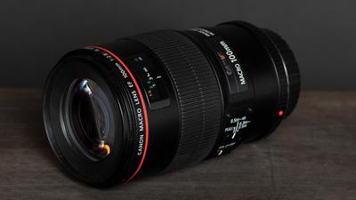 Canon EF 100mm f/2.8 Macro