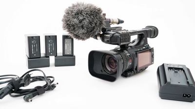 Canon XF100 inkl. NT5, Kameratasche, Speicherkarten, Akkus