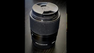 Sigma 30mm F1,4 DC DN Contemporary Objektiv Sony E-Mount