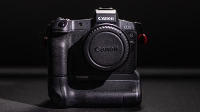 Canon EOS R + Batteriegriff