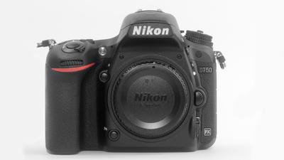 Nikon D750 Body inkl. 2 Akkus und Ladegerät