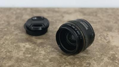 Canon 28mm f/1.8 USM – Canon EF