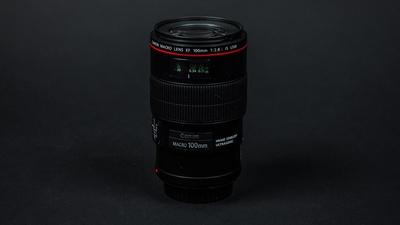 Canon 100 mm f/2.8 IS Makro