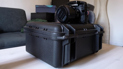 Lumix GH5 Set mit Leica 12-60mm Zoom, Cage und 4 Akkus