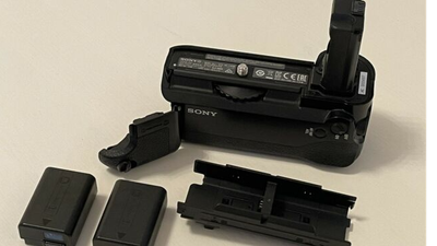 Sony VG-C1EM original Battheriegriff